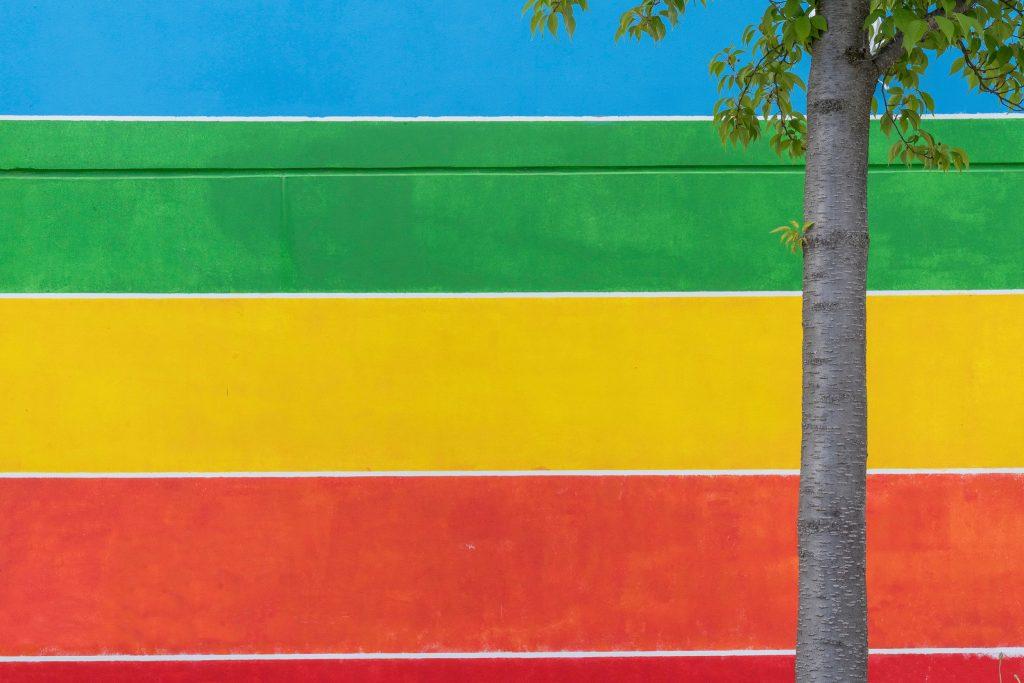 Olympiadorf, Studentenappartement mit Regenbogenstreifen